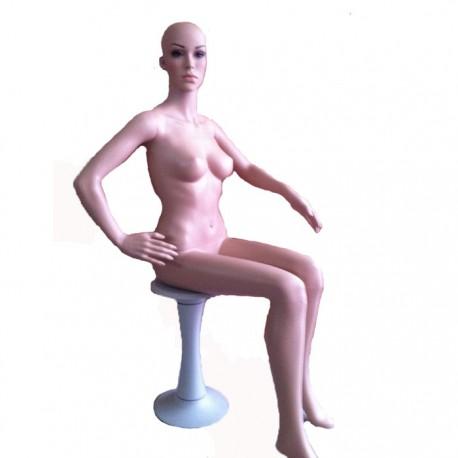 Manechin dama din plastic stand pe scaun